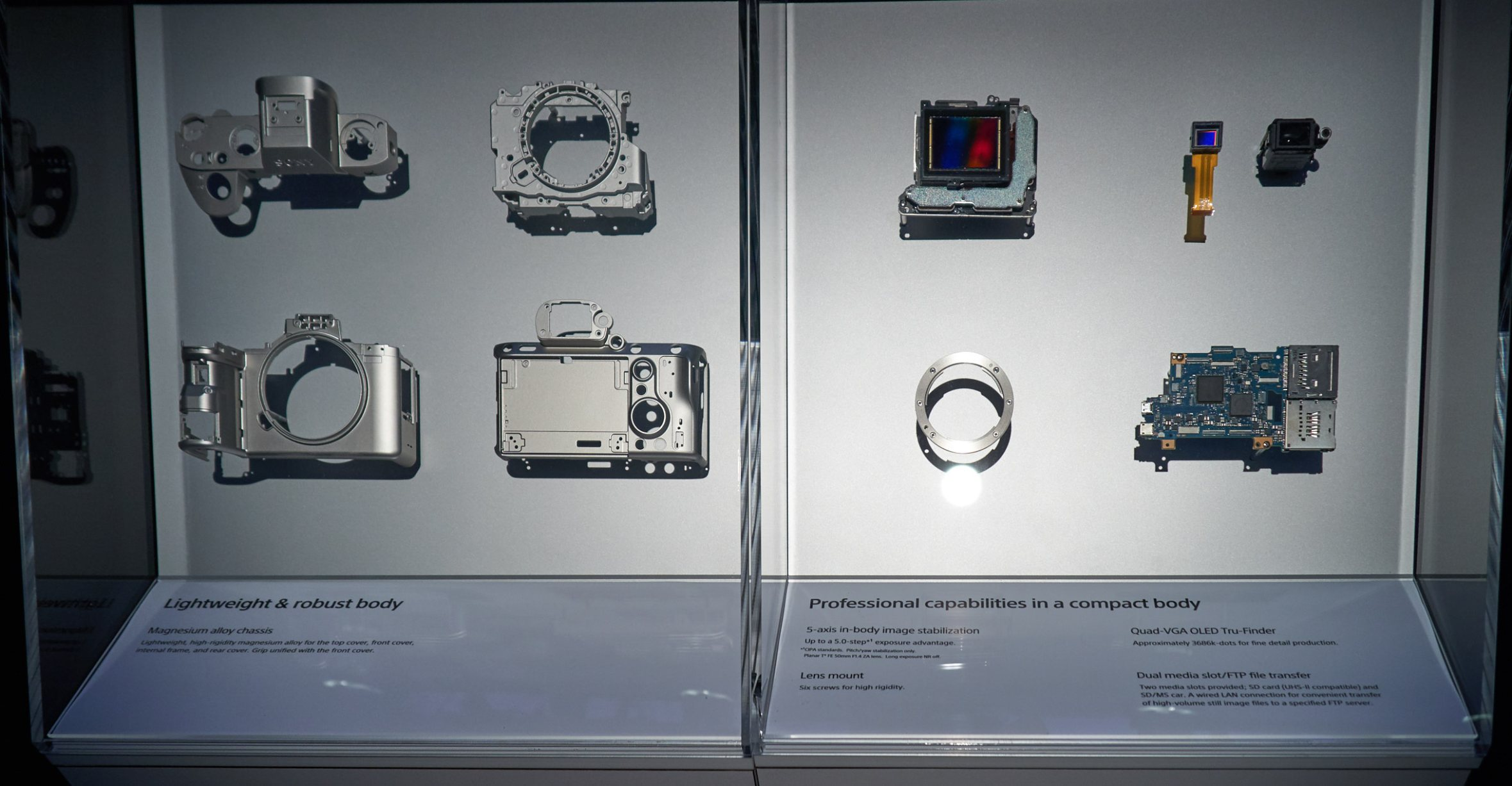 Display of Sony α9 Internals